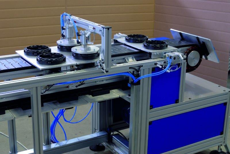 Bespoke belt conveyor system.