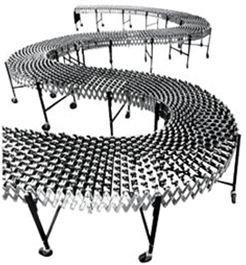 Flexible expanding conveyor with skatewheels