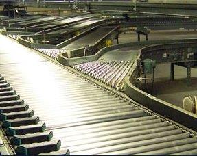 Three gravity conveyors merging into one