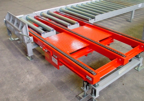Chain conveyor transfer.