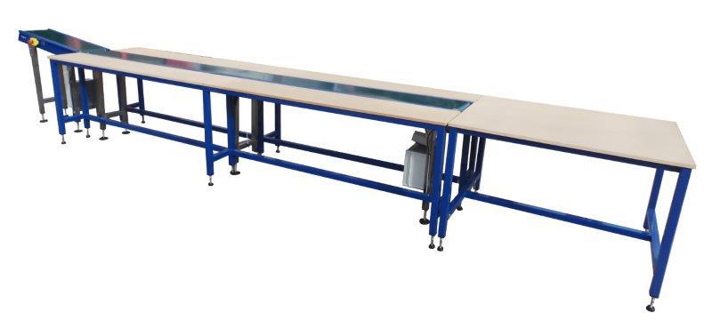 Workstation for conveyor belt
